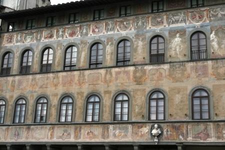 toskana: Piazza della Signoria house with frescoes
