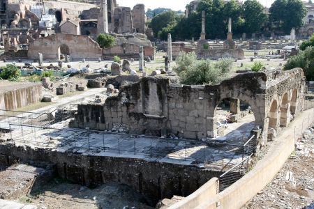 ancient roman: Colonnade and Cathedral in the ancient Roman forum