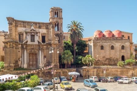 キエーザ ・ デッラ ・ マルトラーナとサン カタルド教会