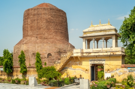 sarnath: The Dhamekh Stupa in Sarnath
