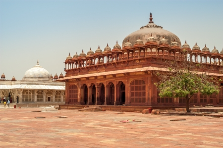 fatehpur sikri: Courtyard Fatehpur Sikri Palace with Tombs Stock Photo