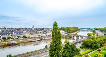 anjou: ANGERS, FRANCIA - agosto 25,2014 - La zona del centro de Angers Castle.Angers es la capital hist�rica de Anjou y fue durante siglos un importante basti�n en el noroeste de Francia. Editorial