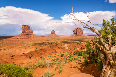 geologists: Rock formations in Monument Valley Navajo Tribe Park