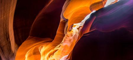 Im Inneren des Upper Antelope Canyon Navajo Tribe Park Standard-Bild - 41838739