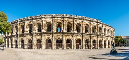 teatro antiguo: Romano antiguo Teatro Arena de Nimes - Francia