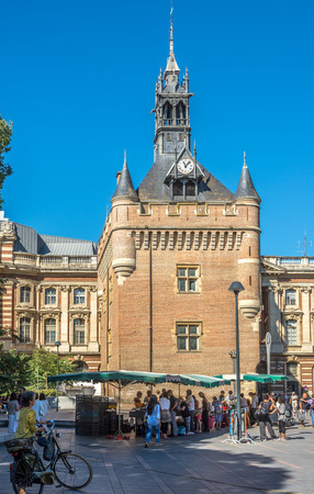 donjon: TOULOUSE,FRANCE - AUGUST 30,2016 - Donjon du Capitol building at the sqaure of General de Gaulle in Toulouse. Toulouse is the capital city of the southwestern French department of Haute-Garonne, as well as of the Occitanie region.