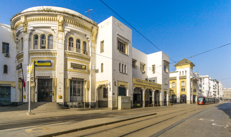 カサブランカ, モロッコ - 4 月 9,2017 - カサブランカ市内の通りで。カサブランカはモロッコ最大の都市です。 報道画像