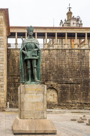 VISEU,PORTUGAL - MAY 15,2017 - Monument of King Dom Duarte in Viseu. The origins of the city of Viseu date back to the Celtic period. Редакционное