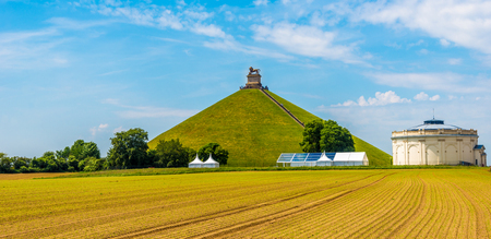 Vue sur la colline de Watrloo avec Memorial Battle opf Waterloo - Belgique