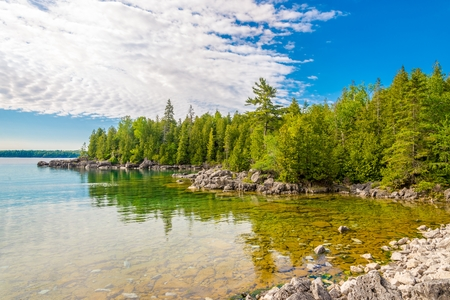 View at the nature of Bruce Peninsula National Park near Dunks Point, Tobermory, Canada 写真素材 - 109321322