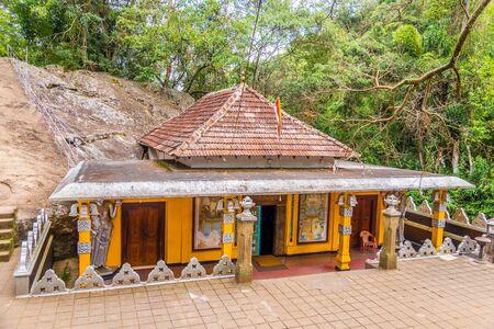 Dhowa rock temple - Dhowa Raja Maha Vihara Temple - Sri Lanka