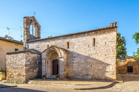 View at the Church of Santa Maria Assunta in San Quirico d Orcia, Italy Archivio Fotografico
