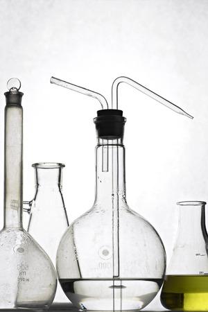 elementos de laboratorio - vasos y frascos  Foto de archivo - 1573264