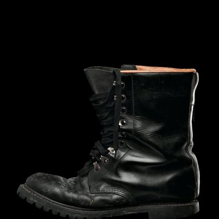 wornout: black army worn-out boot on black