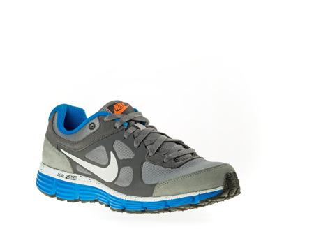 Istanbul, Turquie - Le 21 Février, 2014 New Chaussure Nike De ...