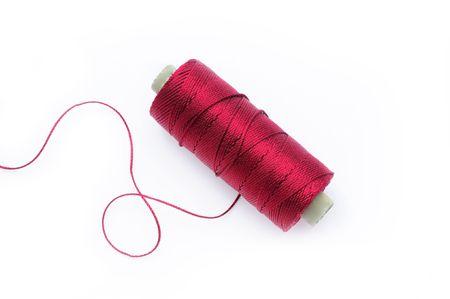 Hilo de seda rojo