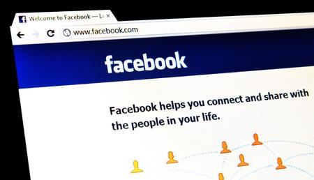 feltételek: London, UK - január 15, 2011: részlete Facebook honlapján, a híres online közösségi hálózati szolgáltatás a laptop képernyőjén