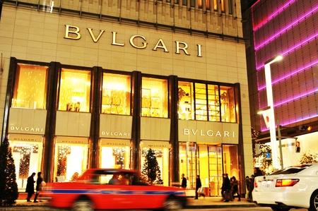 東京, 日本 - 2011 年 12 月 28 日: 世界で最も豪華なショッピング地区の 1 つで銀座のブルガリ店