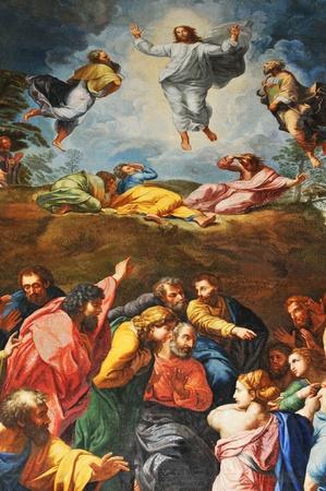 resurrección: Roma, Italia - 28 de marzo de 2012: importantes obras de restauración de objetos de arte en San Pedro (San Pedro), la basílica del Vaticano se mueve hacia adelante