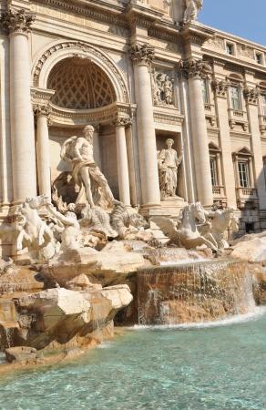 columnas romanas: Fontana di Trevi, Roma