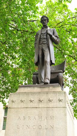 solemnity: Statua raffigurante Abraham Lincoln Archivio Fotografico