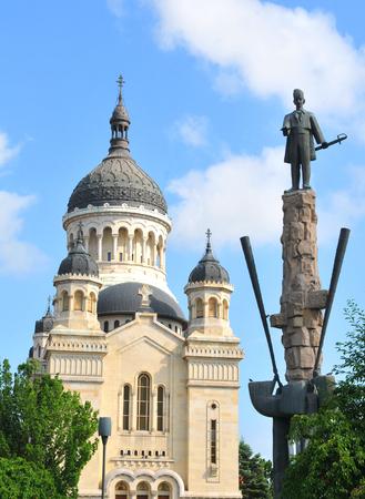 cluj: Avram Iancu statue overlooks the square in Cluj Napoca, Romania