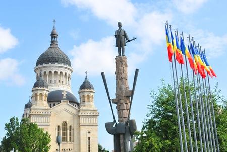 napoca: Avram Iancu statue overlooks the square in Cluj Napoca, Romania