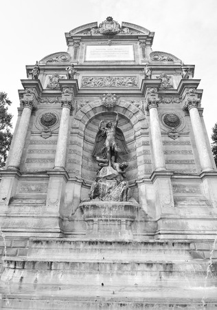 Architectural detail of the Fountain Saint Michel in Paris , France Banque d'images