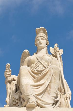 Architectonische details van Romeinse standbeeld in Parijs, Frankrijk Stockfoto