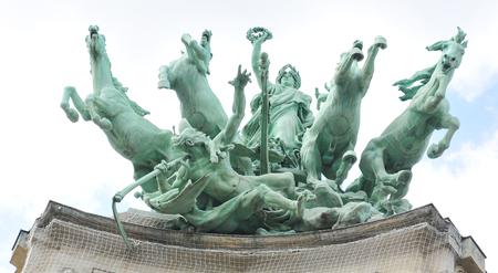 quadriga: Quadriga statue on top of the Grand Palais in Paris.