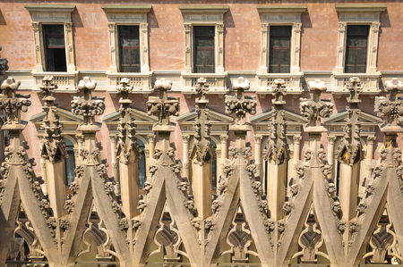 milánó: Architectural detail of the famous Milan Cathedral in Italy