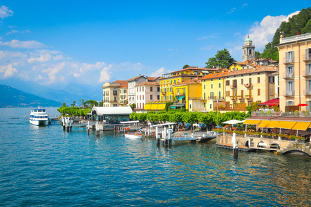 ベラージオは、イタリア、ロンバルディア州のコモ湖のパノラマ 写真素材