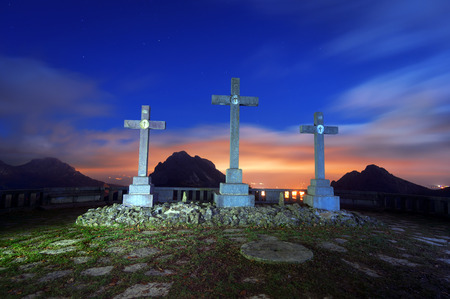crucis: via crucis in Urkiola at night