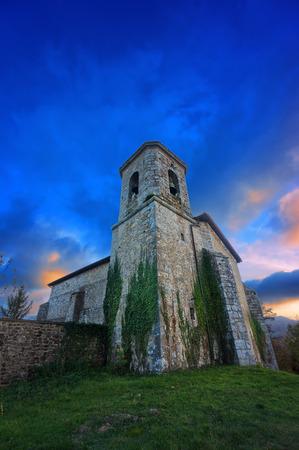 alava: Iglesia en Bitoriano al atardecer. �lava, Pa�s Vasco