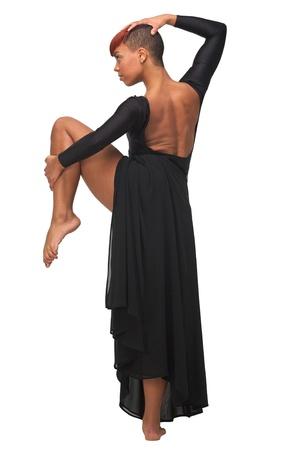 danza africana: Retrato de una joven y bella mujer afroamericana baile plantean Foto de archivo