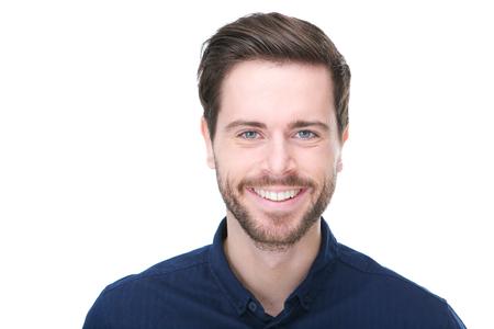 Close-up portret van een gelukkig mannelijke mannequin lacht op geïsoleerde witte achtergrond
