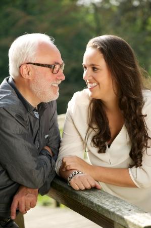 father and daughter: Chân dung của một người cha hạnh phúc và xinh đẹp bonding con gái