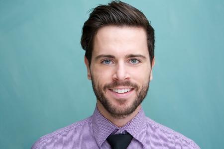 笑顔、魅力的な青年実業家の肖像画を間近します。 写真素材