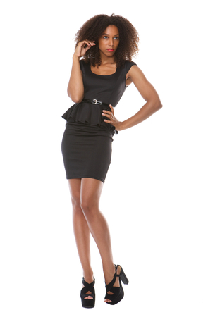 lleno: Retrato de cuerpo entero de un modelo de moda atractiva mujer afroamericana