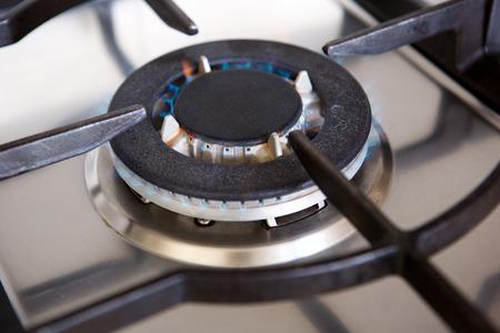 close up retrato de quemador de gas de la estufa de gas con la llama Foto de archivo