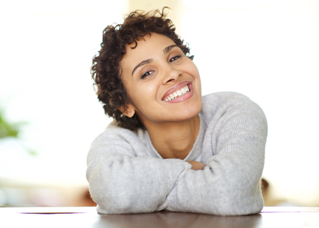 Close up portrait of happy young african american woman smiling Reklamní fotografie