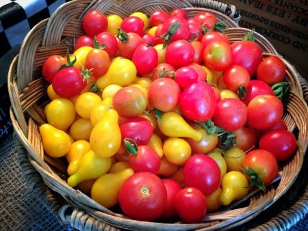 トマトのバスケット