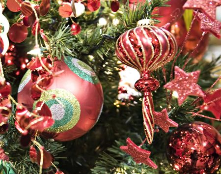 shiney: A bright and shiney red christmas ball