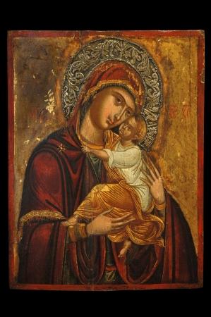 jungfrau maria: Antique orthodoxe Ikone der Mutter Gottes (Mary) und Kind (Jesus Christus) auf Holzbrett gemalt