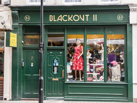 blackout: London, England, August 20, 2015: Blackout II vintage clothing storefront, Covent Garden Redactioneel