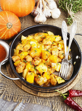 second meal: Goulash with pumpkin and turkey in frying pan