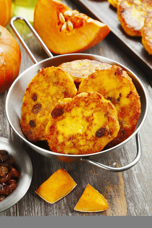 hotcakes: Pumpkin pancakes with cottage cheese and raisins