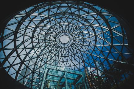 perspectiva lineal: Museo de la estructura de acero