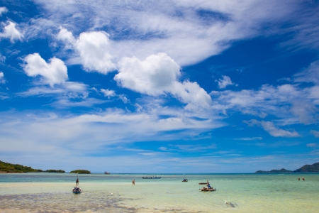 happynes: Beach in thailand with boats