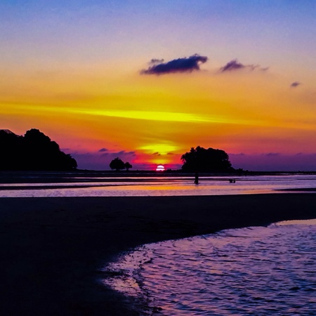 colorful sky: Sunset with colorful sky at the beach